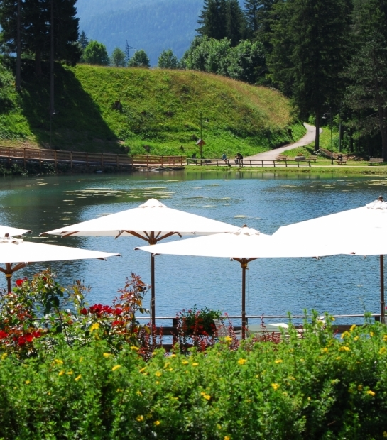 Ristorante affacciato sul lago